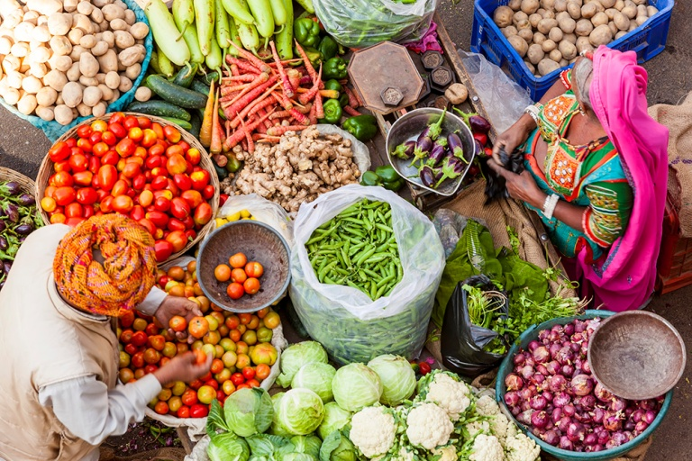 Edited-Colourful-marketVegetable-stall-Pushkar-AWL_IN05479.jpg